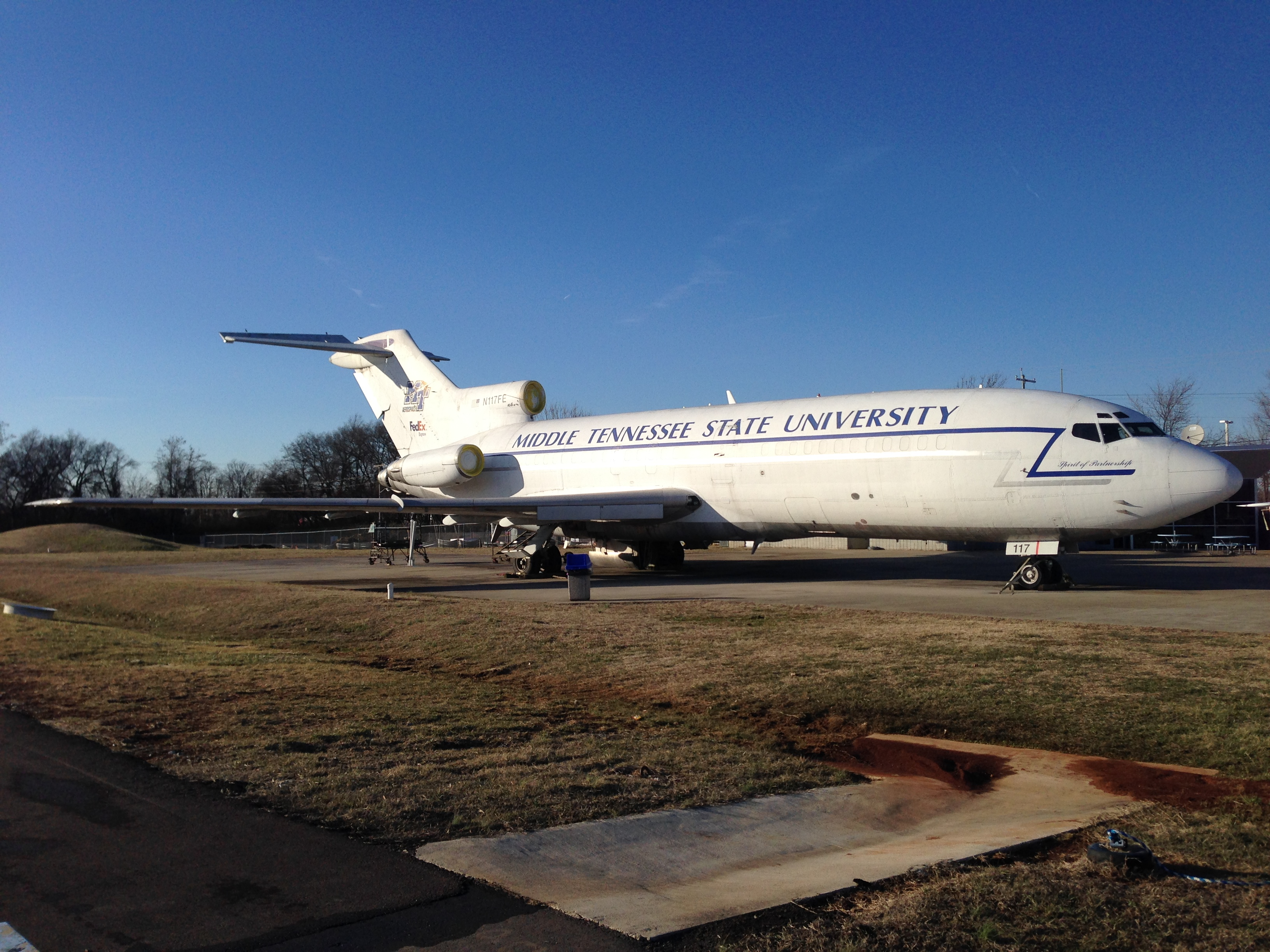 Boeing 727 - Donated by FedEx