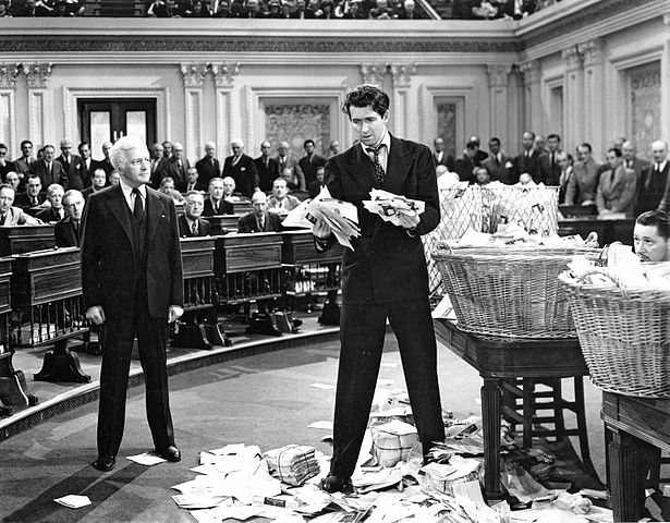 Claude_Rains_and_James_Stewart_in_Mr._Smith_Goes_to_Washington_(1939).jpg